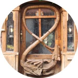 Krumlov House dragon door
